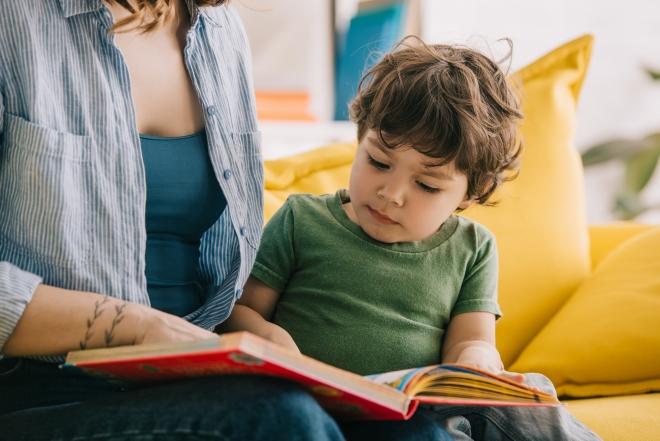 importanza-lettura-per-sviluppare-linguaggio-bambini