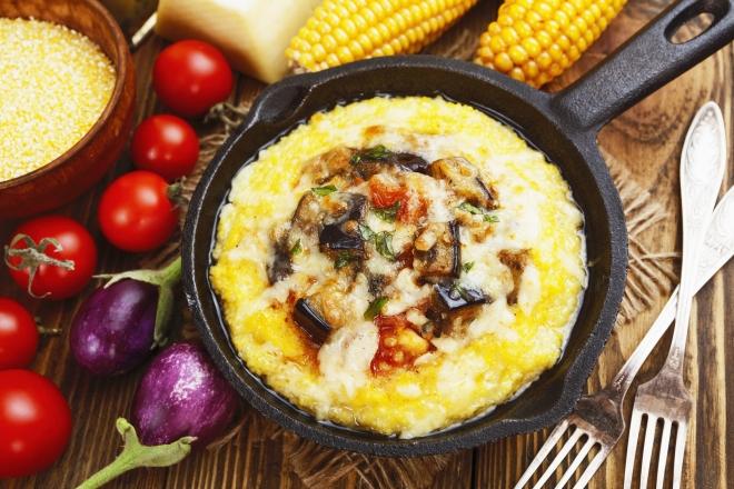 ricette vegetariane di primi piatti: polenta alle verdure