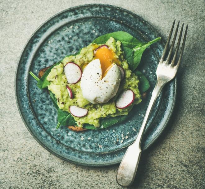 ricette-vegetariane-secondi-piatti_avocado-toast