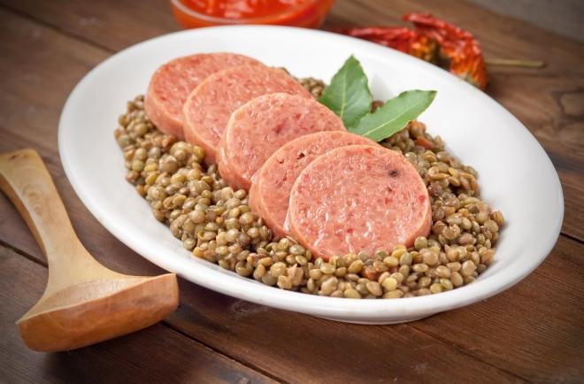 menu-capodanno-come-cucinare-cotechino-lenticchie